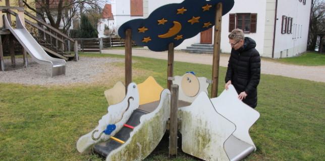 Spielplatzbesichtigung: Viele Spielgeräte benötigen eine Generalüberholung
