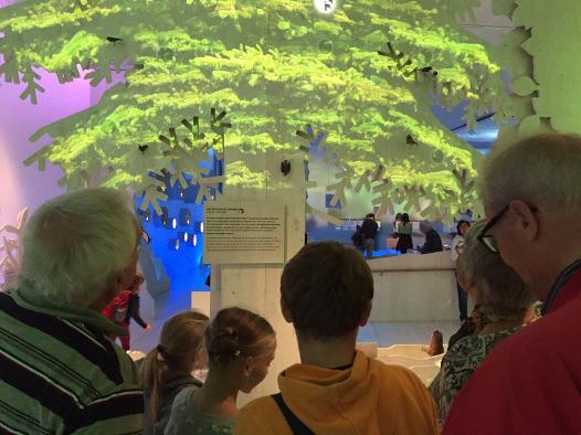 """Ausstellung """"Vertikale Wildnis"""" im Informationszentrum Nationalpark Berchtesgaden"""