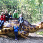 Die jungen Teilnehmer des CLK-Ausflugs im Dinosaurierpark Altmühltal